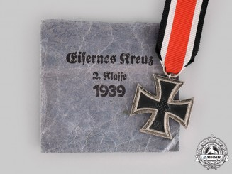 Germany, Wehrmacht. A 1939 Iron Cross II. Class, with Package of Issue, by Moritz Hausch