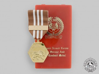 Singapore, Republic. An Armed Forces Long Service and Good Conduct Medal