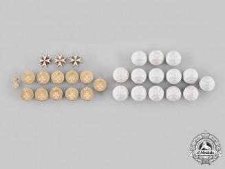 United Kingdom. A Lot of Twenty-Nine Order Badges & Buttons