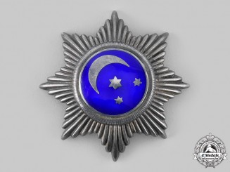 International. An Unknown Breast Star