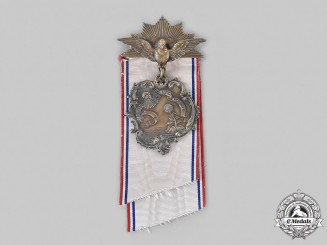 United States. A Huguenot Society of America Membership Badge, by Bailey, Banks and Biddle