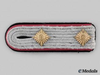 Germany, SS. A Waffen-SS Flak/Artillery Hauptsturmführer Shoulder Board