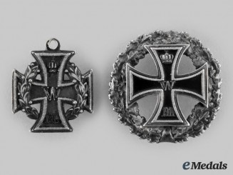 Germany Imperial. A Pair of 1914 Iron Cross Badges