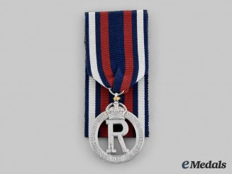 United Kingdom. A Queen Alexandra's Imperial Military Nursing Service Reserve Cape Badge