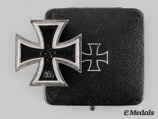 Germany, Wehrmacht. A 1939 Iron Cross, I Class with Case, by E. Ferdinand Wiedmann