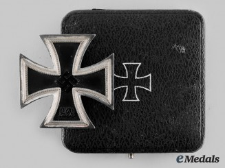 Germany, Third Reich. A 1939 Iron Cross, I Class, by Steinhauer and Lück with Case