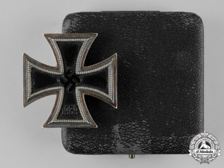 Germany, Wehrmacht. A 1939 Iron Cross, I Class, with LDO Case of Issue