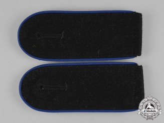 Germany, Waffen-SS. A Set of Mann Medical Personnel Shoulder Straps