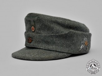 Germany, Heer. A Gebirgsjäger EM/NCO's M43 Field Cap
