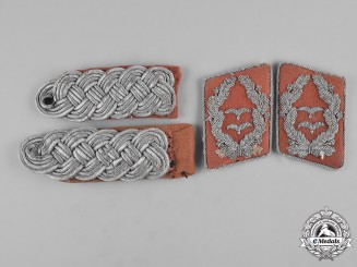Germany, Luftwaffe. A Set of Air Force Signals Corps Oberstleutnant Shoulder Boards and Collar Tabs