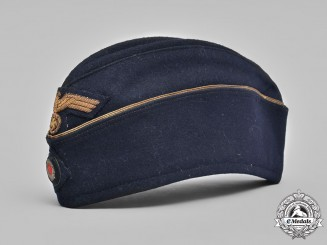Germany, Kriegsmarine. An Officers Garrison Cap, by Glöckler
