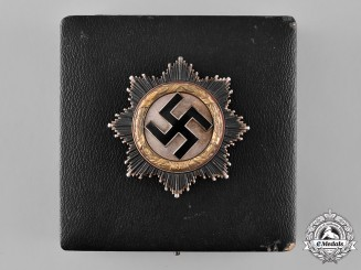 Germany, Wehrmacht. A Cased German Cross in Gold by Otto Klein & Co., with Personal Effects, to Erich Jeckstat