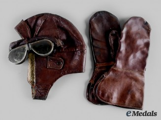 Canada, CEF. A Royal Flying Corps Flying Helmet, Goggles and Gauntlets