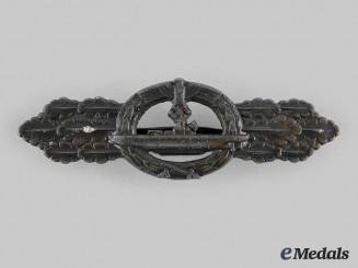 Germany, Kriegsmarine. A U-Boat Clasp, Bronze Grade, by Schwerin