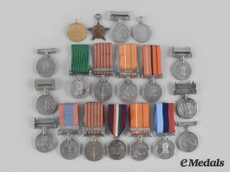 India, Republic; Pakistan, Republic. A Lot of Twenty Medals