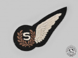 United Kingdom. A Second War Royal Air Force (RAF) Signaller (S) Wing
