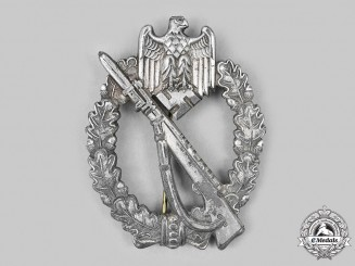 A Silver Grade Infantry Badge by Maker