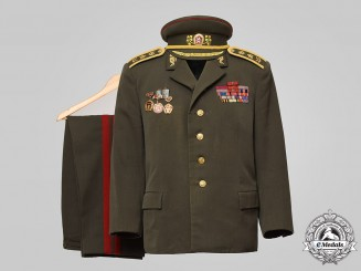 Czechoslovakia, Socialist Republic. An Army Infantry Major General's Uniform c.1985