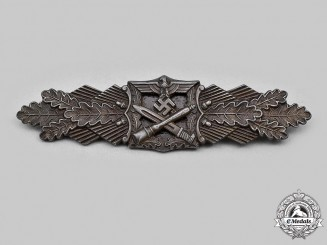Germany, Wehrmacht. A Close Combat Clasp, Bronze Grade, by A.G.M.u.K