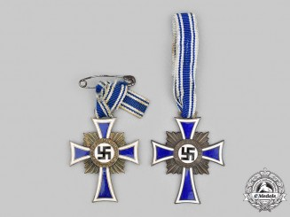 Germany, Third Reich. A Pair of Honour Crosses of the German Mother, Bronze Grade