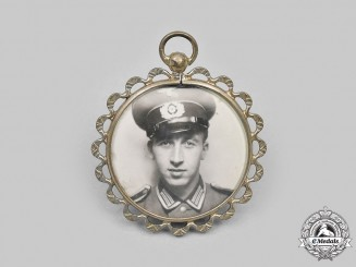 Germany, Heer. A Heer Commemorative Photo Pendant