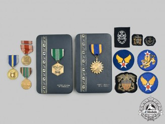 United States. A Lot of Eleven Military Items