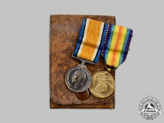 United Kingdom. A First War Miniature Pair with Case
