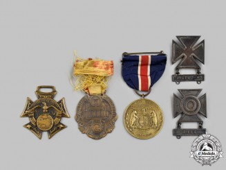 United States. A Lot of Medals & Insignia