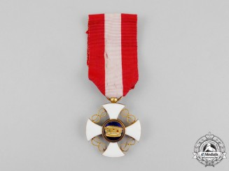An Italian Order of the Crown of Italy in Gold, Knight