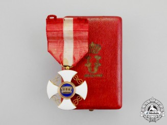 Italy, Kingdom. An Order of the Crown in Gold, Knight with Case, c.1900