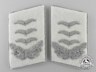 Absolutely Mint  Set of Herman Göring Division Hauptmann's Collar Tabs