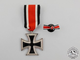 An Iron Cross 1939 Second Class with its Matching Boutonniere
