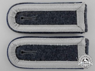 A Pair of Luftwaffe Unteroffizier's Shoulder Straps; Medical Units