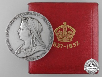 A Queen Victoria Diamond Jubilee Silver Medal 1837-1897 with Case