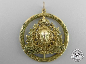 A Royal Canadian Mounted Police Sweetheart Pendant in Gold