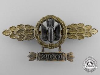 A Gold Grade Bomber Pilot's Squadron Clasp; 200 Hanger