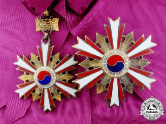 Korean. An Order of National Security Merit (Hanja), Grand Cross Set, 1st Class to General Gabriel, USAF