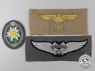 Three Second War German Cloth Items & Insignia