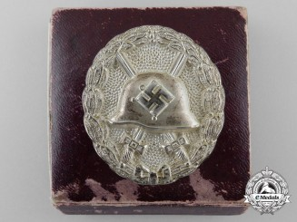 A Silver Grade Wound Badge with Case of Issue