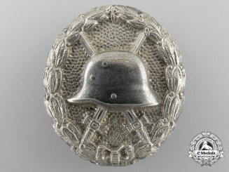 An Unusual First War Silver Grade Wound Badge
