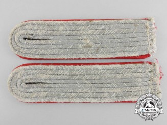 A Set of Army Artillery Leutnant's Shoulder Boards