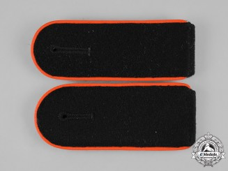 Germany, SS. A Pair of Waffen-SS Mann Artillery/Flak Shoulder Straps