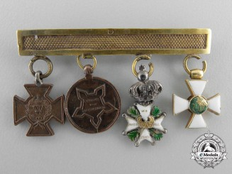 An Early Dutch Miniature Award Chain in Gold c.1845