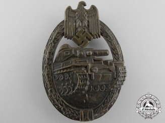 An Early Bronze Grade Tank Badge