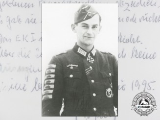 A Post War Signed Photograph of Knight's Cross Recipient; Günther Viezenz
