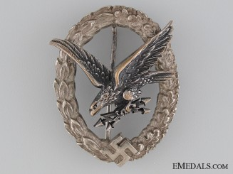 The Radio Operator & Air Gunner Badge by Juncker