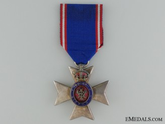 The Royal Victorian Order; Member's Badge (M.V.O)