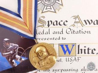 United States. The Veteran of Foreign Wars National Space Award to E. White USAF