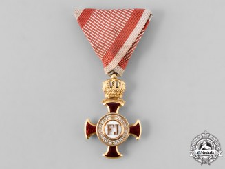Austria, Imperial. A War Merit Cross in Gold, by Vincent Mayer's Sohne, c. 1918