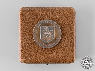Germany, Third Reich. A Münch Commemorative Medal for Service Workers and Labourers, with Case